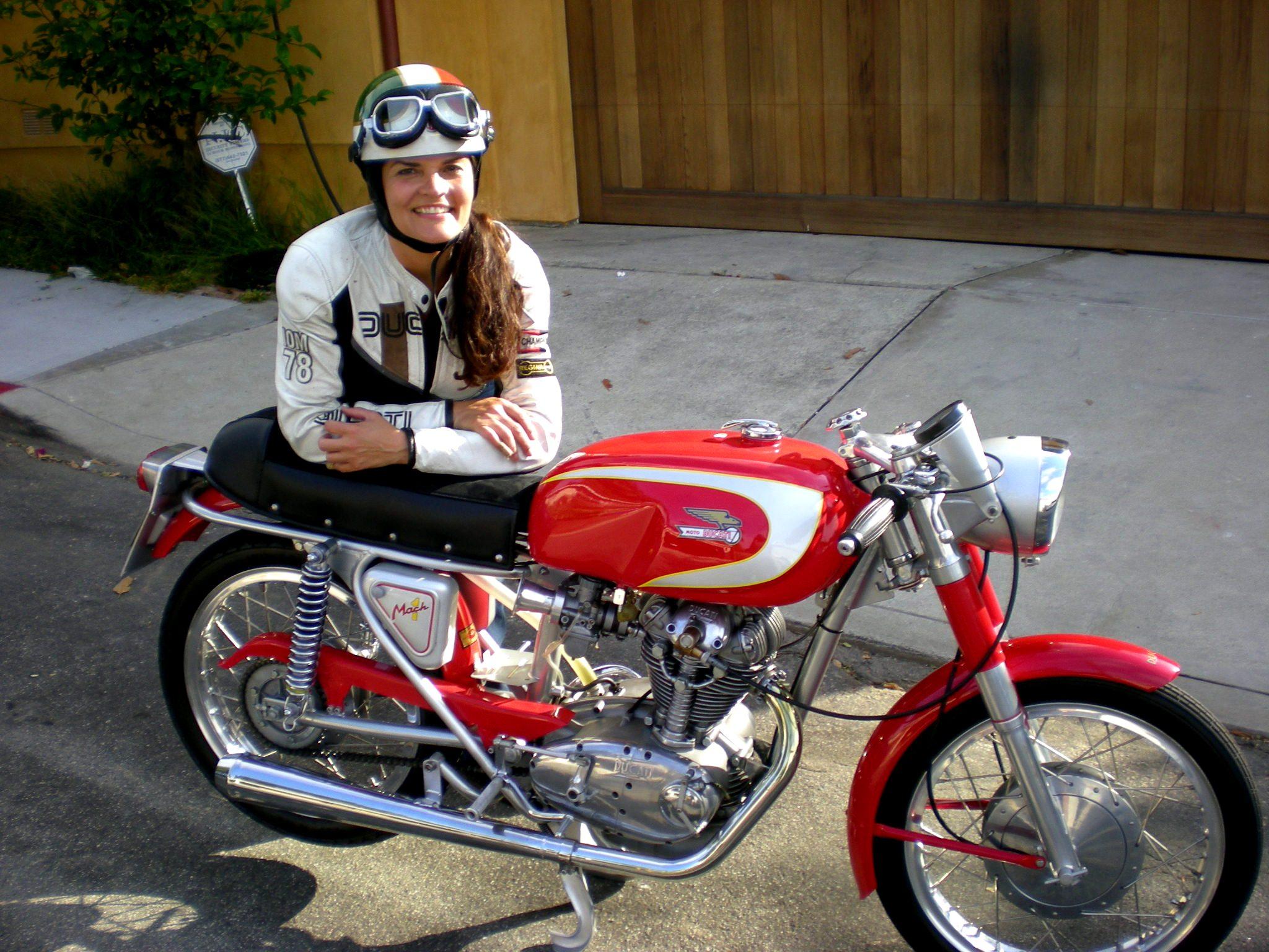 Ducati Mach 1 | Helmets n' Heels